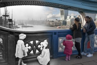 4915ba70-9eca-11e3-85ab-cdbd2a0ac128_9-Tower-Bridge-c-1920-2014-Museum-of-London