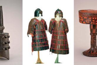 Da sinistra: Yong campana in bronzo, risalente al periodo 475-221 a.C. e proveniente dal Museo provinciale del Hubei in Wuhan - Armature e copricapi da parata, risalenti al periodo 475-221 a.C. e provenienti dal Museo provinciale del Hubei in Wuhan - Dou in legno laccato, risalente al periodo 475-221 a.C. e proveniente dal Museo provinciale del Hubei in Wuhan.